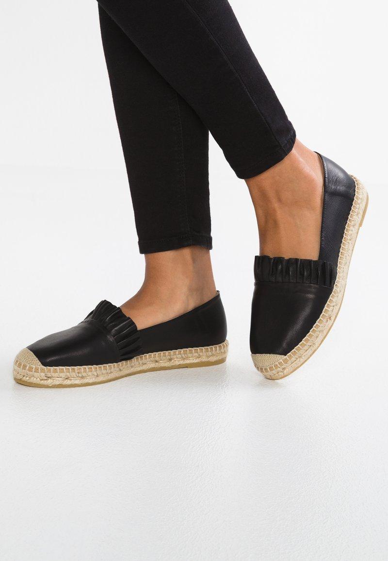 Kanna - DORA - Loafers - natur
