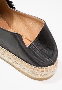 Kanna - DORA - Loafers - natur - 7