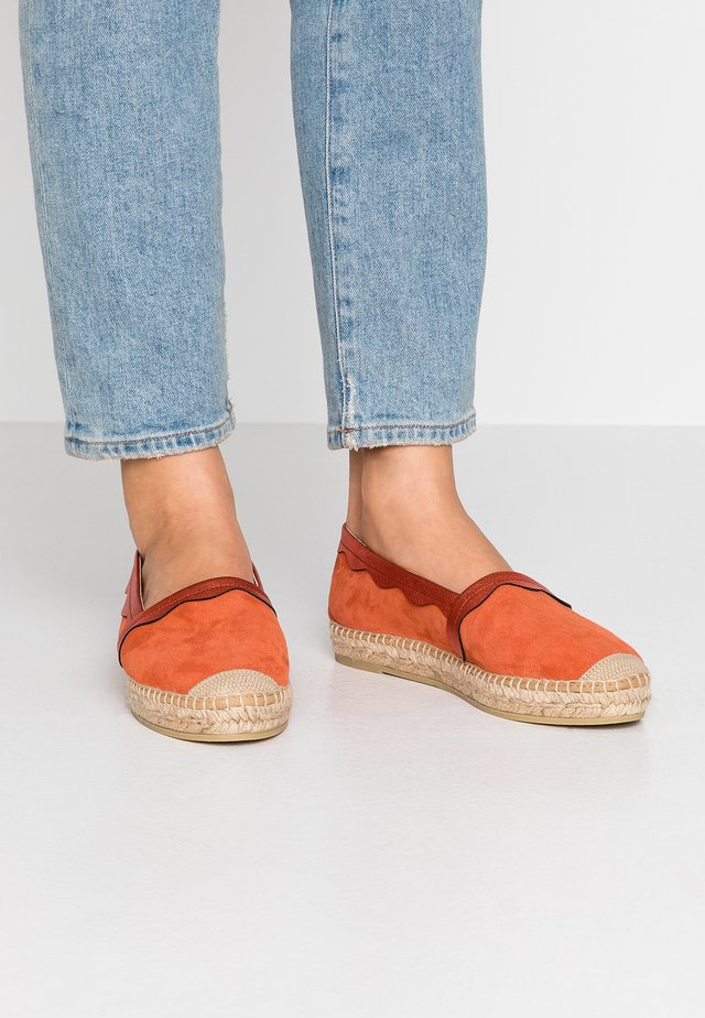DORA - Loafers - galaxy carmin