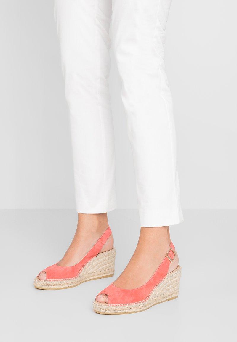 Kanna - BASIC - Platform sandals - cereza