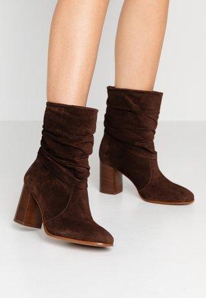 AGATA - Classic ankle boots - moka