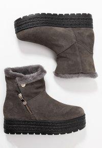 Kanna - MISURI - Platform ankle boots - cortina oil gris - 3