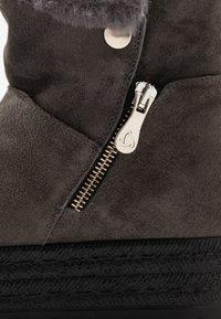 Kanna - MISURI - Platform ankle boots - cortina oil gris - 2