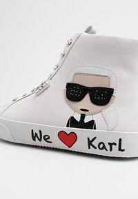 KARL LAGERFELD - SKOOL IKONIC LACE - High-top trainers - white - 2