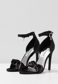 KARL LAGERFELD - MASQUE ANKLE STRAP - High Heel Sandalette - black - 4
