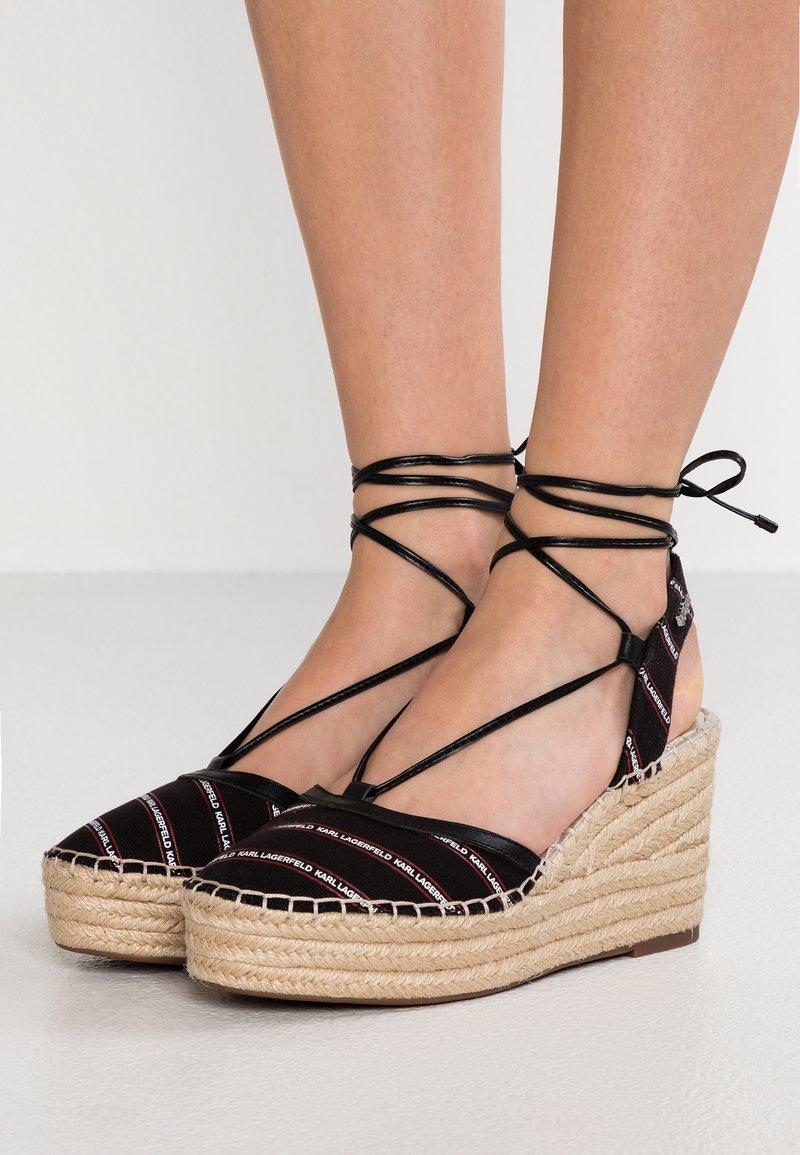 KARL LAGERFELD - KAMINI MID STRIPE LOGO SLING - High Heel Sandalette - black/silver