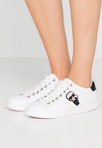 KARL LAGERFELD - KUPSOLE IKONIC LACE - Sneakersy niskie - white - 0