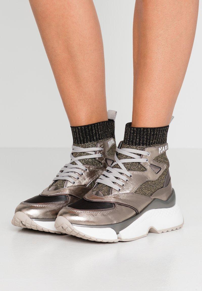KARL LAGERFELD - AVENTUR SIEGE MID  - Sneakers high - silver