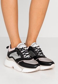 KARL LAGERFELD - AVENTUR LACE SHOE - Sneakers - black/multicolor - 0