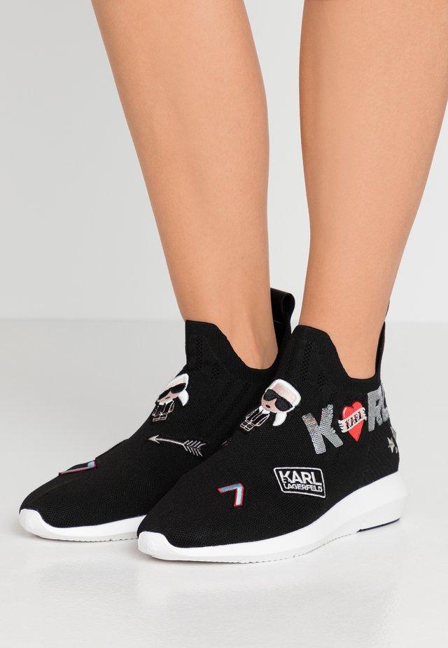VITESSE JEWEL BADGE MID - Sneakersy wysokie - black