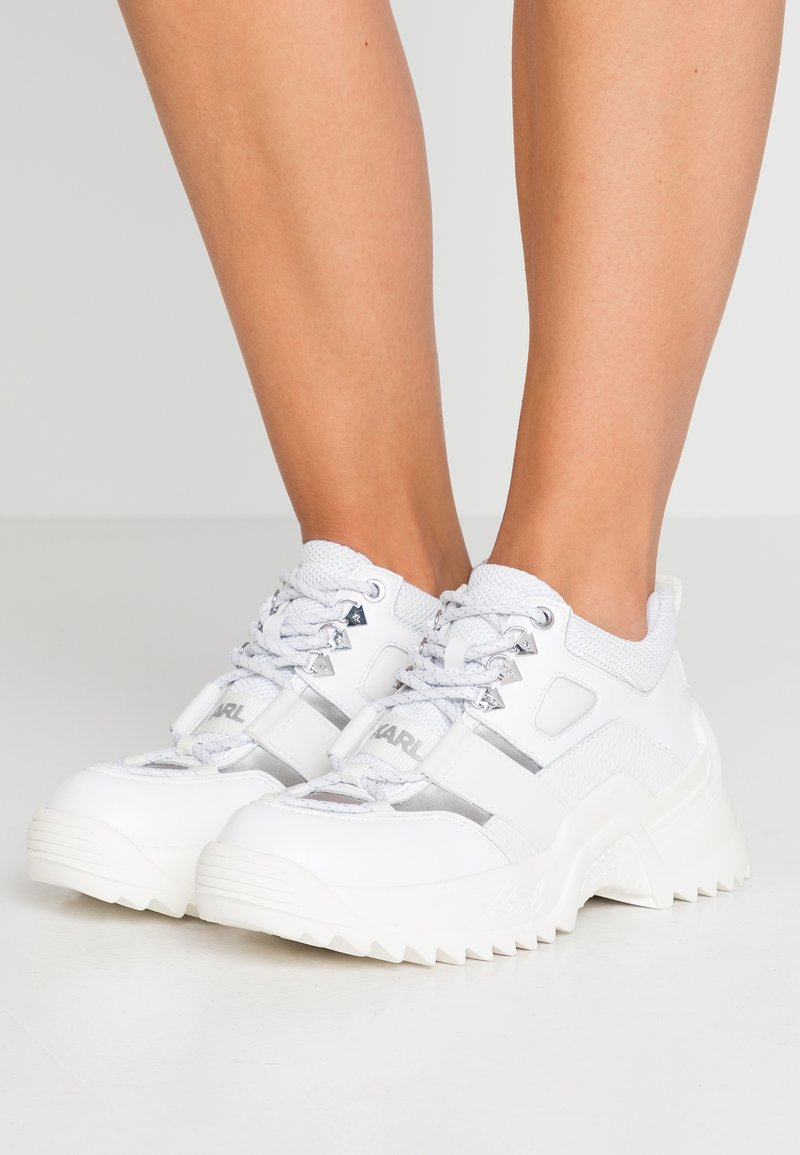 KARL LAGERFELD - QUEST HIKER LACE SHOE - Sneakers - white