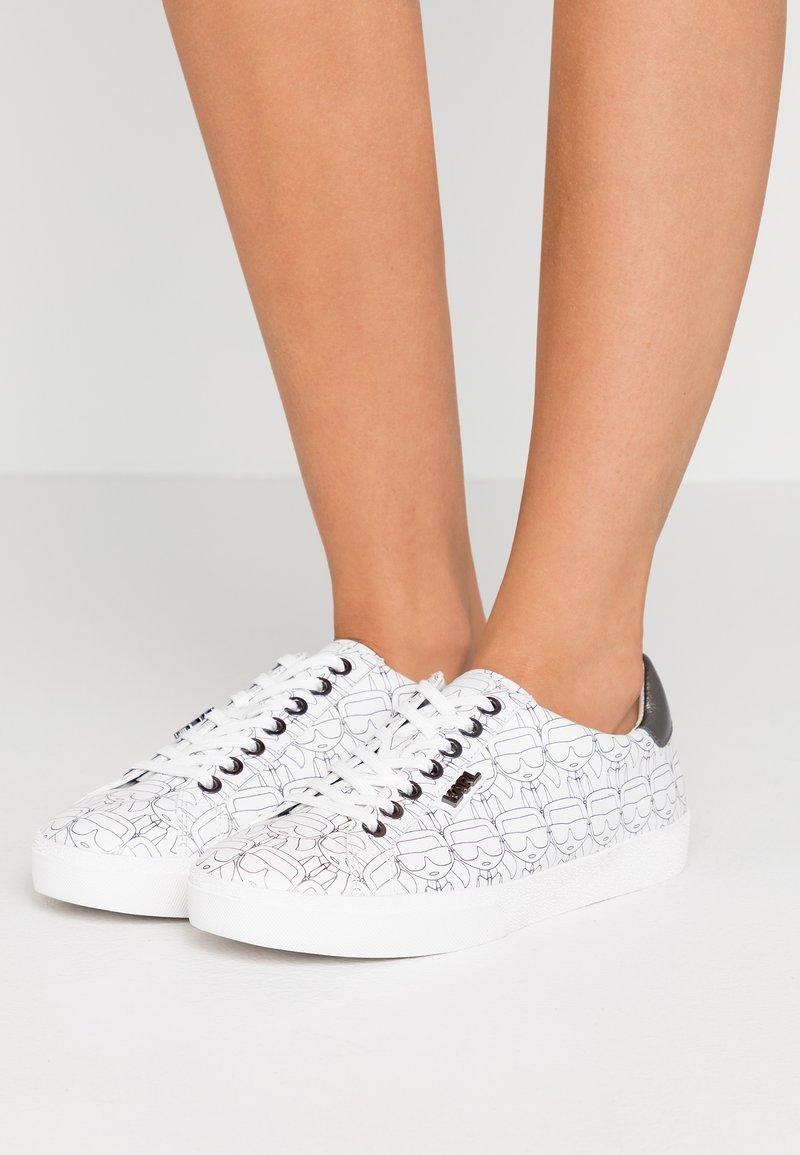 KARL LAGERFELD - SKOOL IKON LACE - Sneaker low - white/silver
