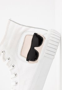KARL LAGERFELD - KAMPUS IKONIC LACE - Baskets montantes - white - 2