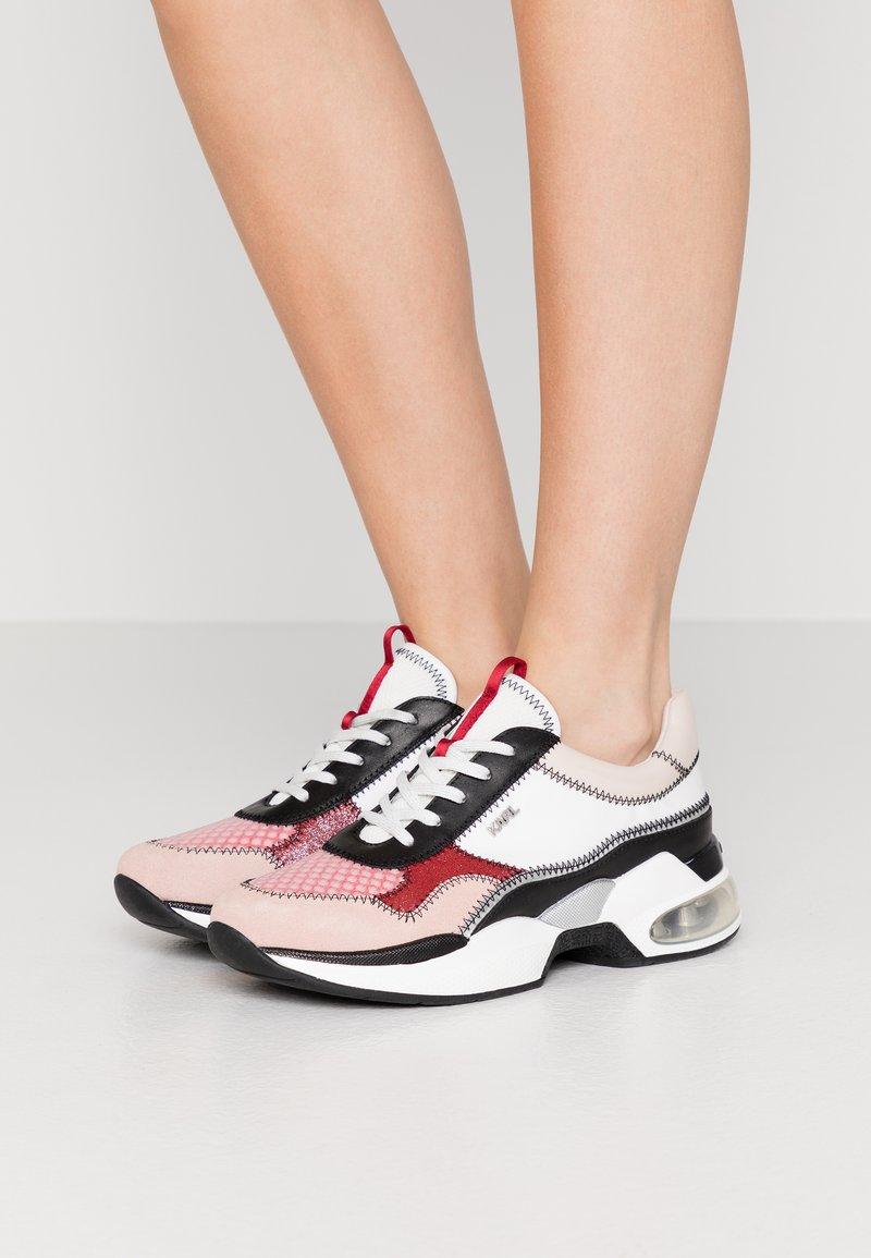 KARL LAGERFELD - LAZARE - Zapatillas - pink