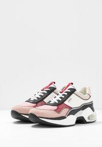 KARL LAGERFELD - LAZARE - Zapatillas - pink - 4