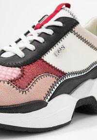 KARL LAGERFELD - LAZARE - Zapatillas - pink - 2