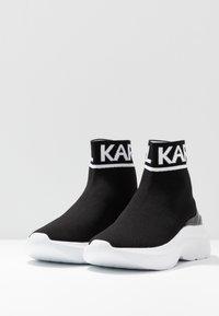 KARL LAGERFELD - SKYLINE ANKLE PULL ON - Vysoké tenisky - black/white - 4