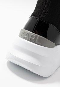 KARL LAGERFELD - SKYLINE ANKLE PULL ON - Vysoké tenisky - black/white - 2
