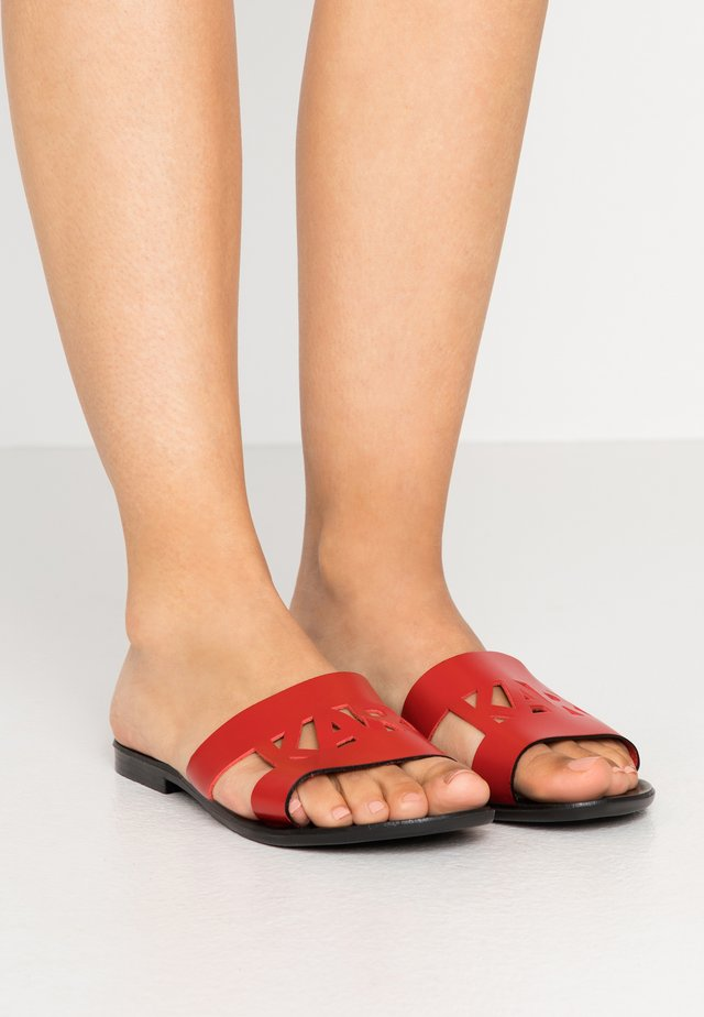 SKOOT KUT OUT - Mules - red