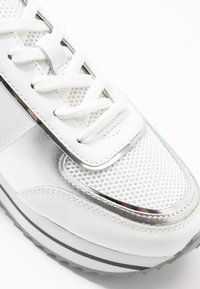 KARL LAGERFELD - VELOCITA MAISON LACE - Trainers - silver - 2