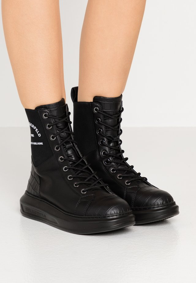 KAPRI MAISON - Sneakersy wysokie - black