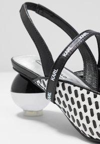 KARL LAGERFELD - VERNAZZA SLING STRAP - Klassieke pumps - black/white - 2