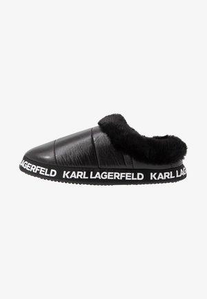 ARKTIK - Domácí obuv - black