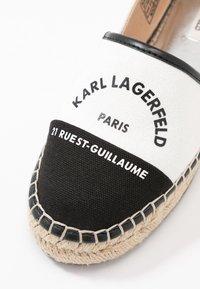 KARL LAGERFELD - KAMINI MAISON SLIP ON - Espadrilles - white/black - 2