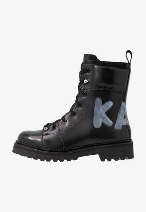 KADET HI LACE BOOT - Šněrovací kotníkové boty - black