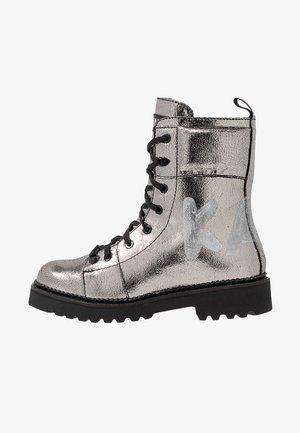 KADET HI LACE BOOT - Veterboots - silver