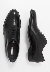 KARL LAGERFELD - URANO II OXFORD LACE - Smart lace-ups - black - 1