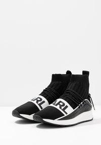 KARL LAGERFELD - VEKTOR BAND SOCK - Sneakers hoog - black/white - 2
