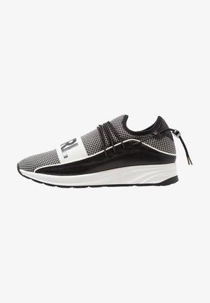VEKTOR BAND - Sneakers - black/white