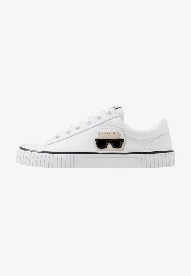 KAMPUS II IKONIC - Sneakers - white