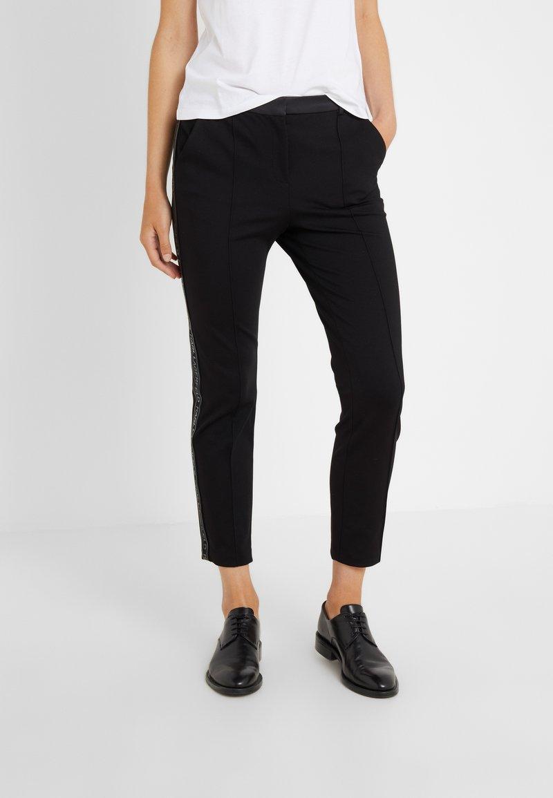 KARL LAGERFELD - PUNTO PANTS LOGO TAPE - Pantalones - black