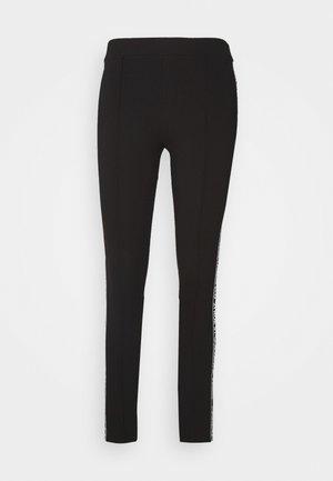PUNTO LOGO - Leggings - black