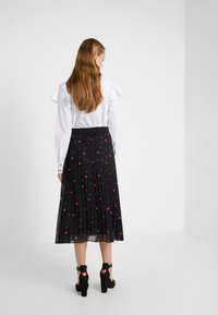 KARL LAGERFELD - PLEAT SKIRT - A-line skirt - black - 2