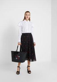 KARL LAGERFELD - PLEAT SKIRT - A-line skirt - black - 1