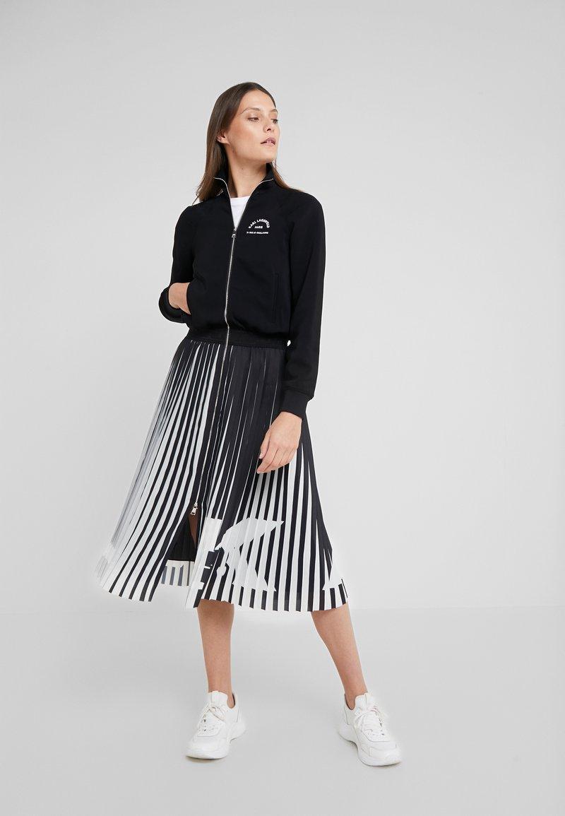 KARL LAGERFELD - RUE ST GUILLAUME PLEATED DRESS - Day dress - black