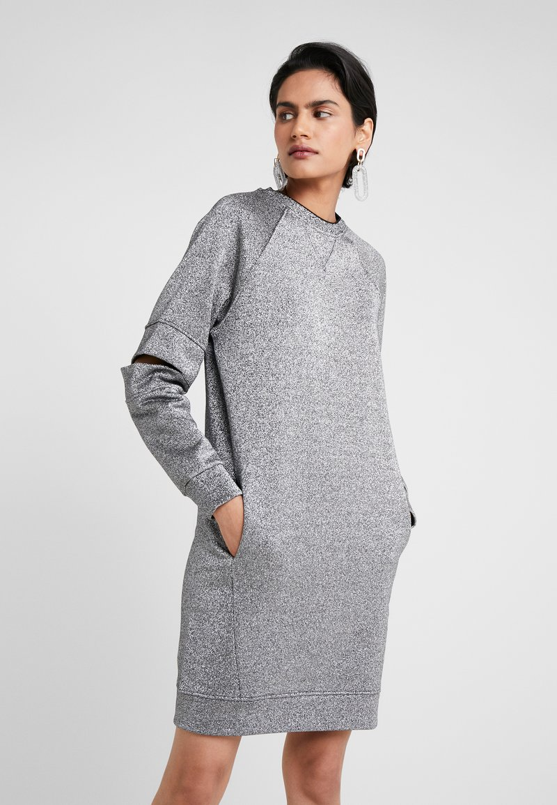 KARL LAGERFELD - CUT OUT SLEEVE DRESS - Sukienka letnia - silver