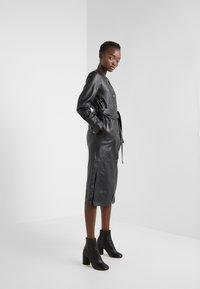 KARL LAGERFELD - DRESS TIE - Vestito estivo - black - 1