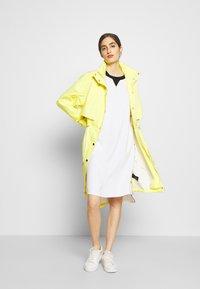 KARL LAGERFELD - CADY DRESS SNAP DETAILS - Robe d'été - white - 1