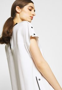 KARL LAGERFELD - CADY DRESS SNAP DETAILS - Day dress - white