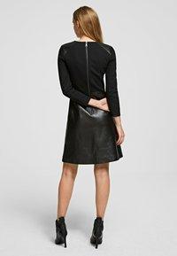 KARL LAGERFELD - Vestido informal - black - 2