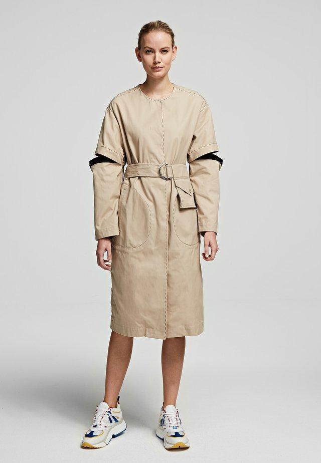 Korte jurk - sandstone