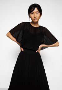 KARL LAGERFELD - PLEATED MAXI DRESS - Abito da sera - black - 4