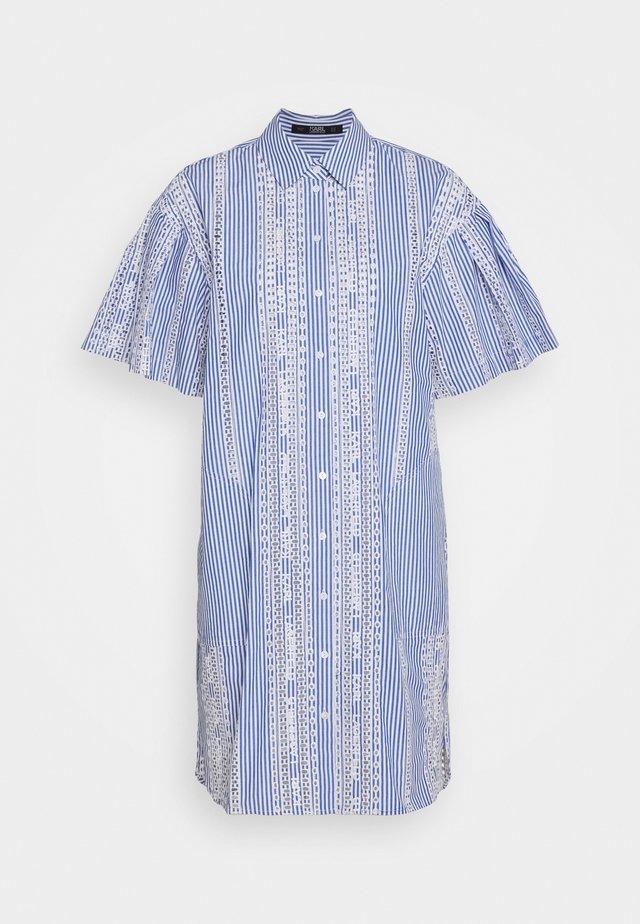 EMBROIDERED STRIPE DRESS - Blousejurk - white/blue