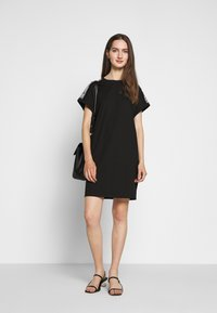 KARL LAGERFELD - MERCERIZED DRESS  - Robe en jersey - black - 1