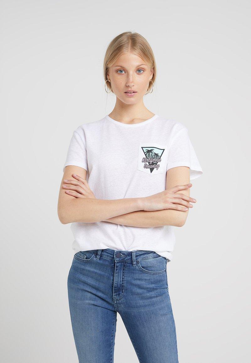 KARL LAGERFELD - KARLIFORNIA POCKET TEE - Camiseta estampada - white