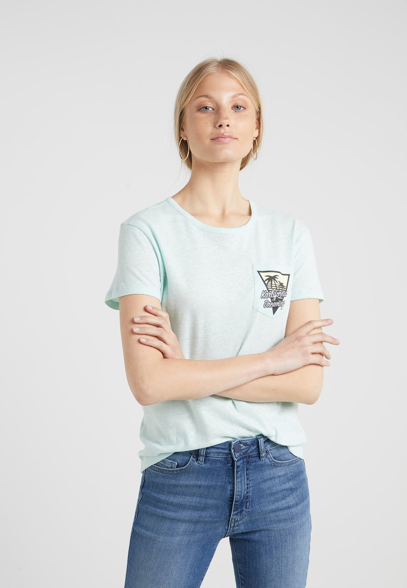 KARL LAGERFELD - KARLIFORNIA POCKET TEE - Print T-shirt - pastel green